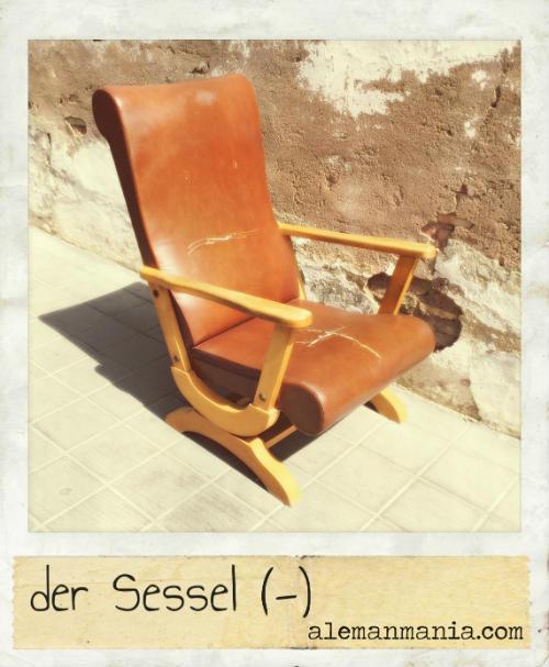 Der Sessel. Ein Sessel auf der Straße