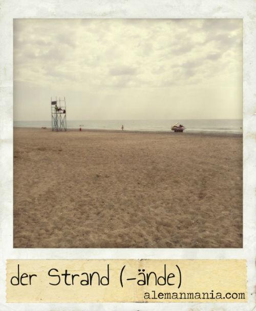 Der Strand. Ein Strand am Mittelmeer - Una playa en el Mediterráneo