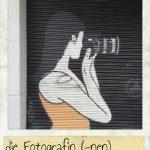 Fotografin, die. Ein Graffiti auf der Straße